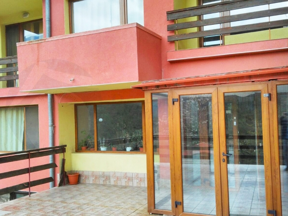 Hotel_Narachenski_Springs_010